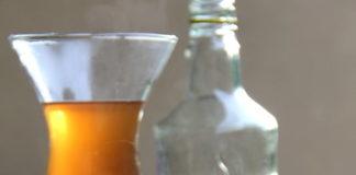 ecuadorian's drink aguarediente