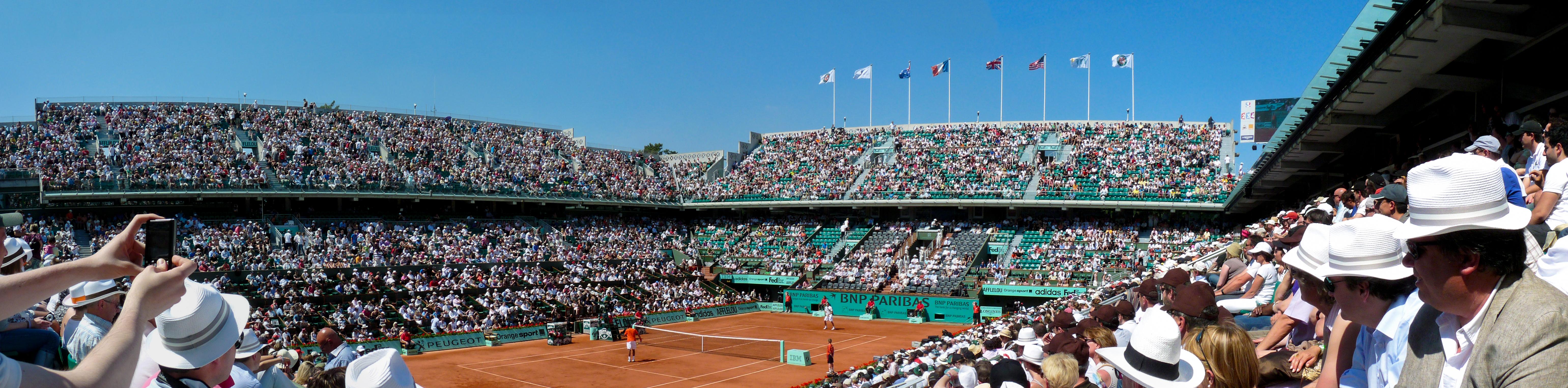 Court Philippe Chatrier - 1er tour de Roland Garros 2010 - tennis french open