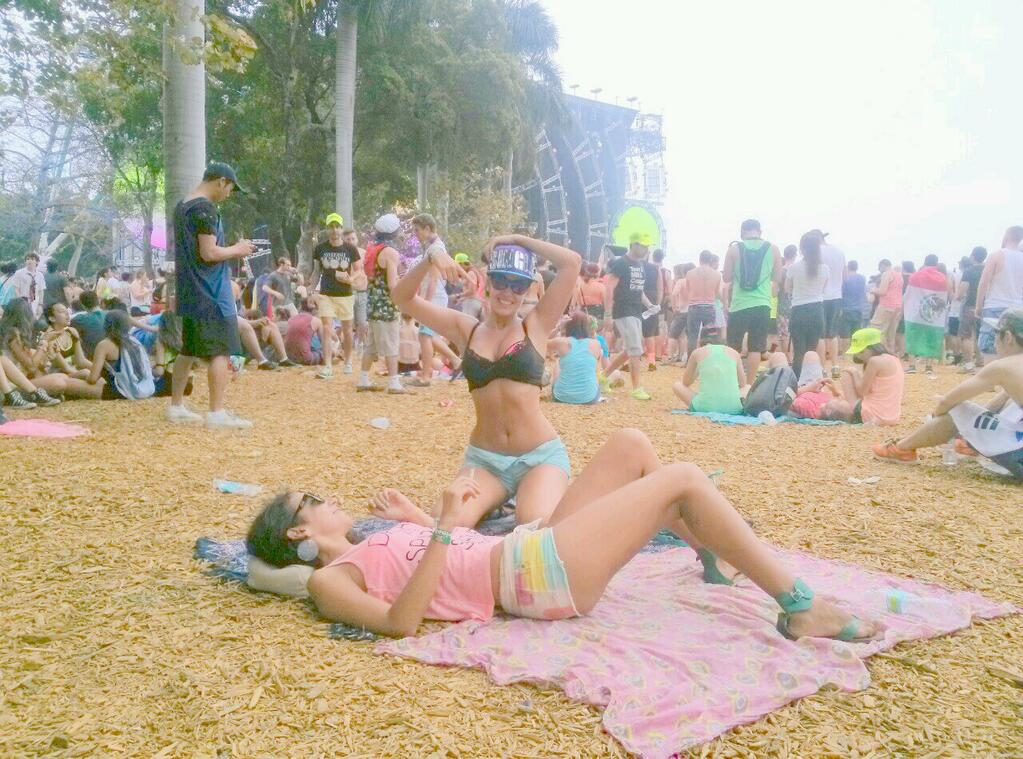 hanging out in ultra miami 2014, girls