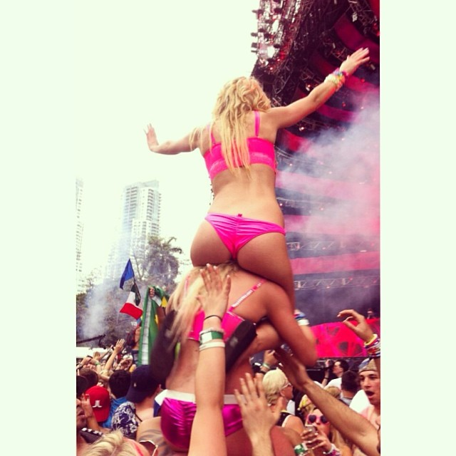 Ultra miami 2014 girls party