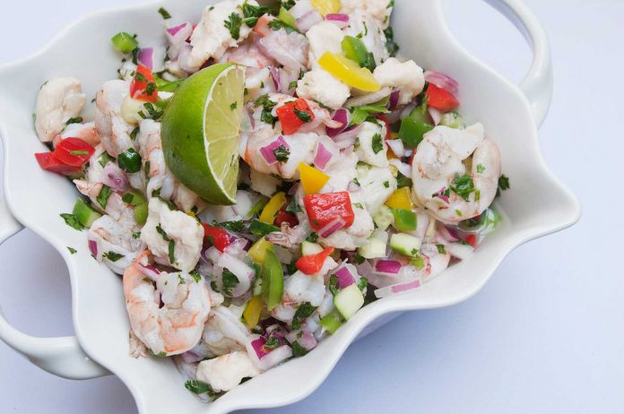 ceviche, cook raw fish with lime, recipe