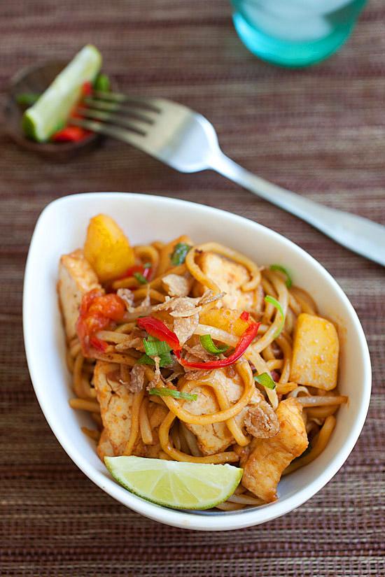 veggie mee goreng fried noodles